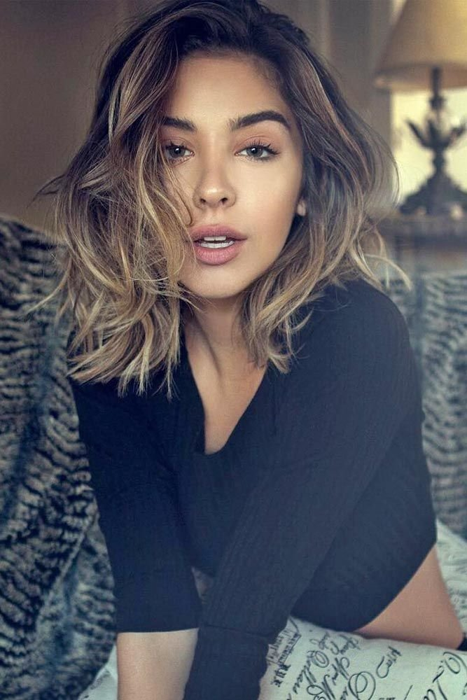 Free 17 Popular Medium Length Hairstyles For Thick Hair Wallpaper