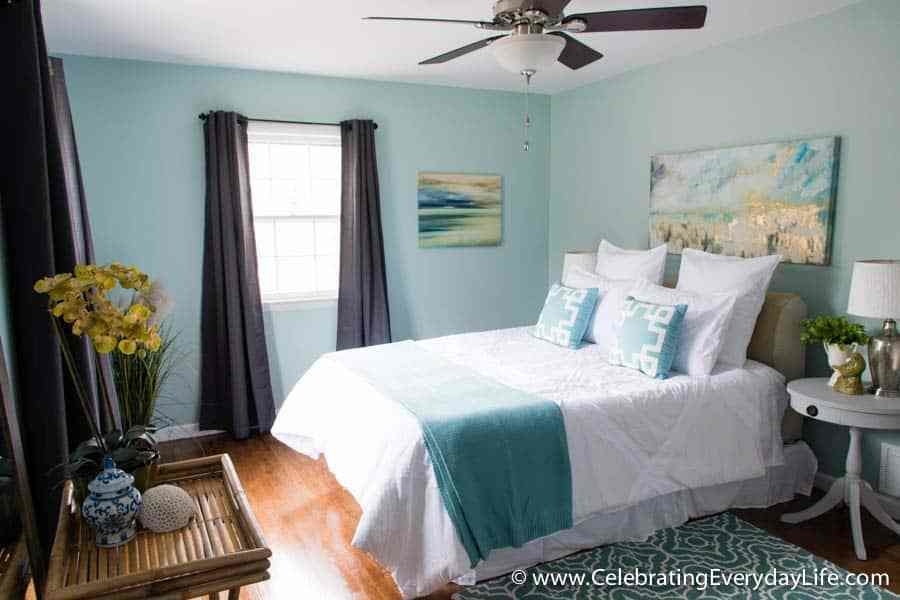 Best Tips For How To Stage A Bedroom To Sell With Pictures