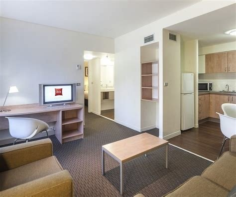 Best Cheap 2 Bedroom Apartment Accommodation Melbourne Www With Pictures