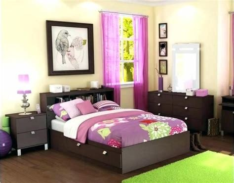 Best Ways To Decorate A Bedroom Decoratingspecial Com With Pictures