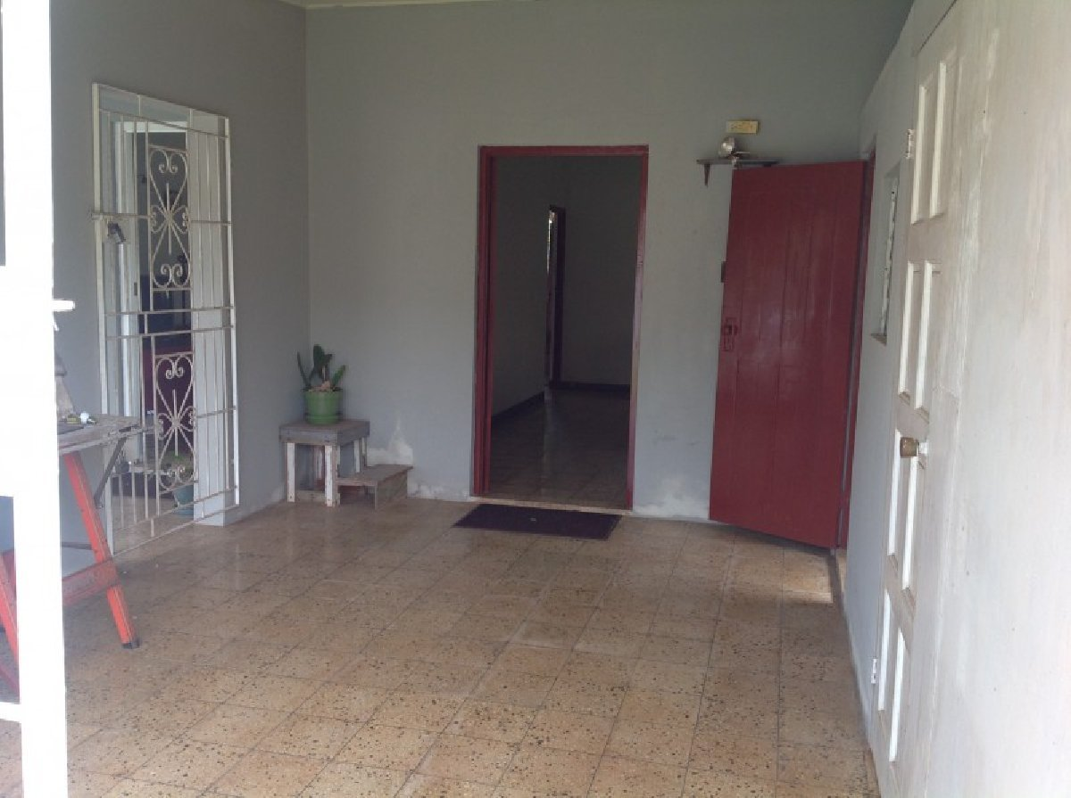 Best 4 Bedroom 2 5 Bathroom House For Sale In Perth Road Manchester Jamaica Manchester Houses With Pictures