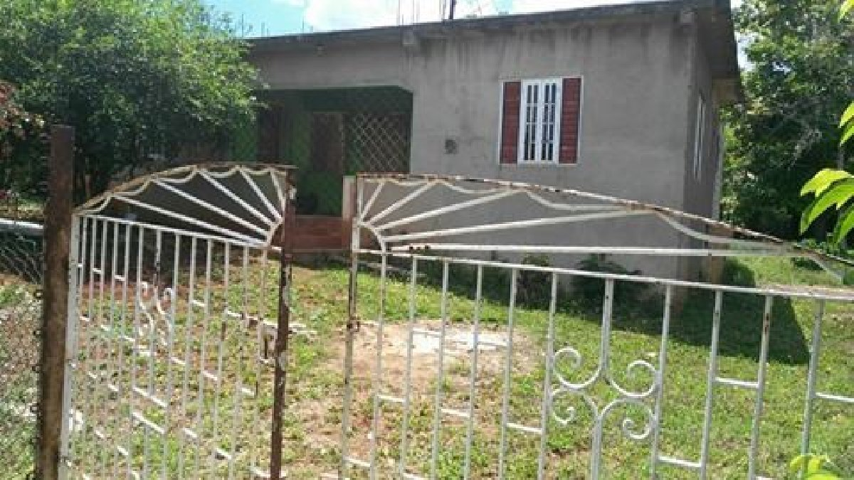 Best 2 Bedroom 1 Bathroom House For Sale In Kitson Town St With Pictures