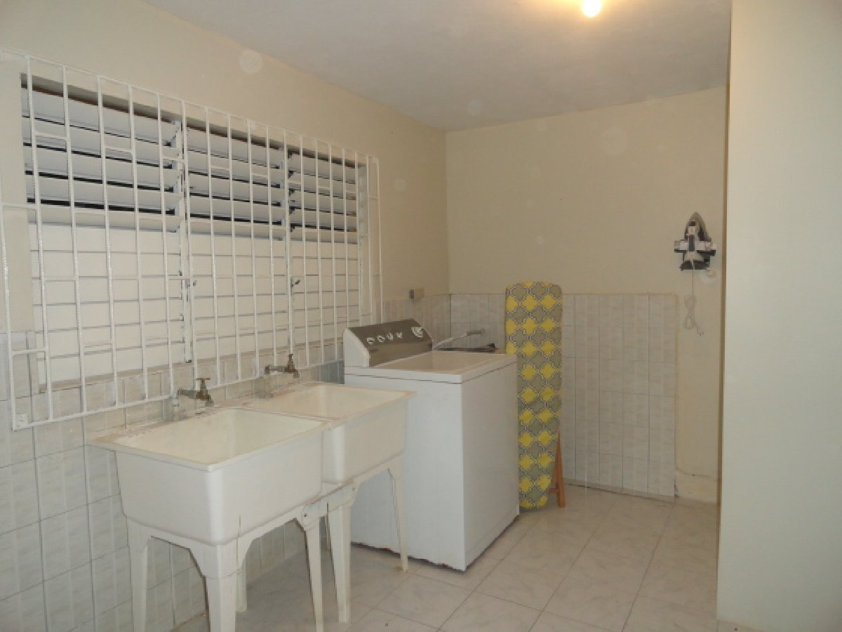 Best 1 Bedroom 1 Bathroom Fully Furnished For Rent In Montego With Pictures
