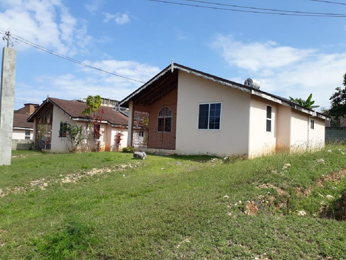 Best 2 Bedroom 1 Bath House For Sale In Rhyne Park St James With Pictures