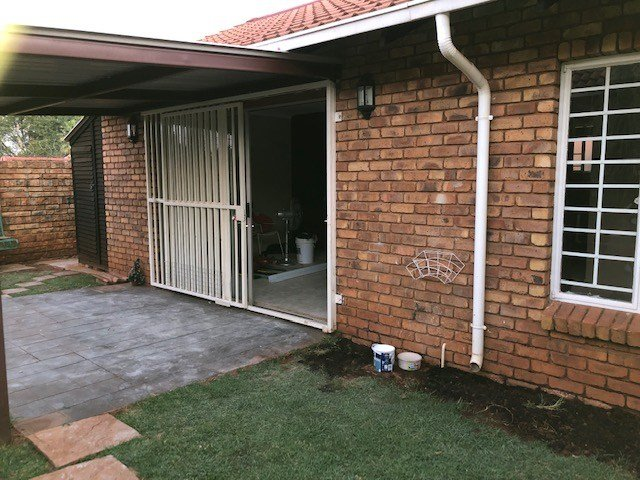 Best Neat 2 Bedroom Townhouse To Rent In Heatherview Pretoria With Pictures
