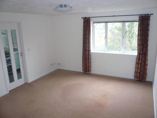 Best King Arthur Court Cheshunt En8 2 Bed Flat To Rent £950 With Pictures