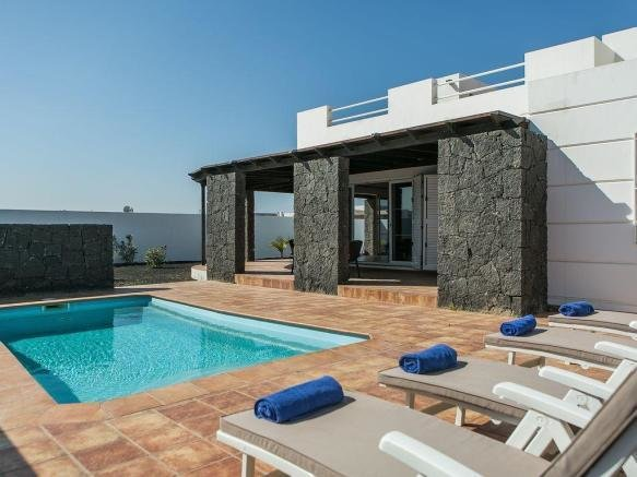Best 5 Bedroom Villa For Sale In Playa Blanca Lanzarote With Pictures