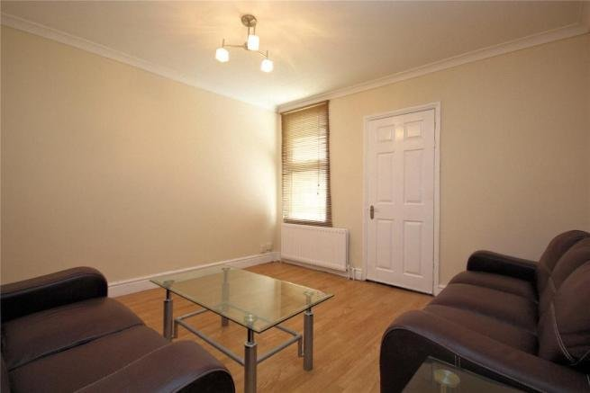 Best 3 Bedroom Semi Detached House For Sale In Woking Surrey With Pictures
