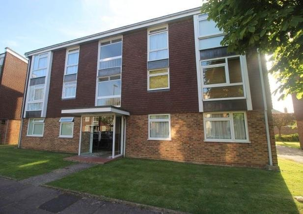 Best 2 Bedroom Flat For Sale In Dorchester Gardens Worthing Bn11 With Pictures