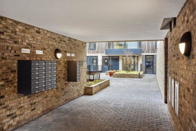 Best 1 Bedroom Apartment For Sale In Brighton Road Surbiton Kt6 With Pictures