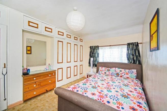Best 3 Bedroom Terraced House For Sale In Manor Crescent With Pictures