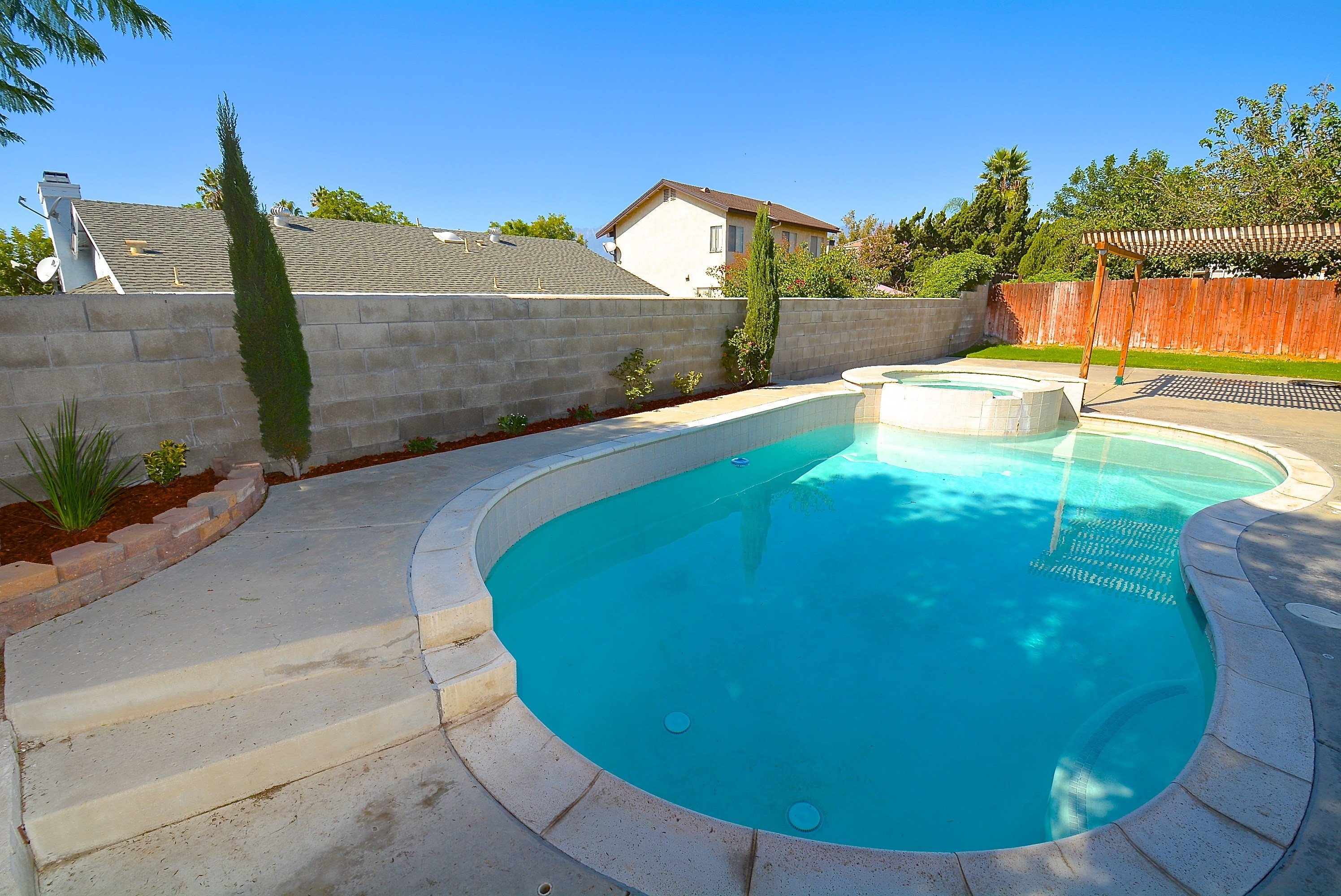 Best 4 Bedrooms House For Rent In Fontana Archives Celina With Pictures