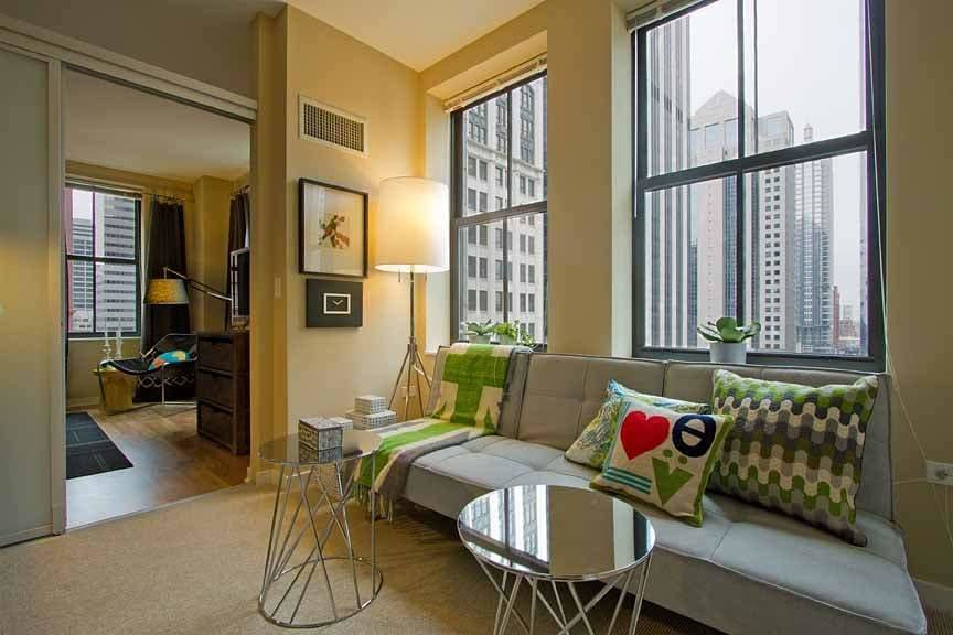 Best Randolph Tower City Apartments Located At 188 West With Pictures