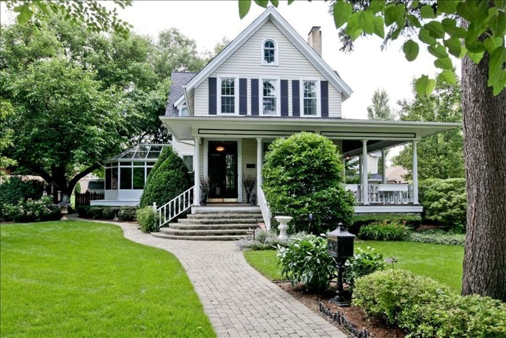 Best Landmark Historic 4 Bdrm Home Walk To Train Stop For With Pictures
