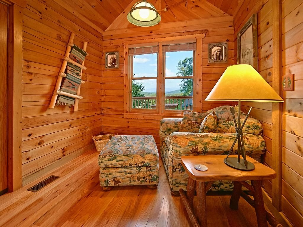 Best Unique Indian Decor 1 Bedroom Cabin In Pigeon Forge Wears With Pictures