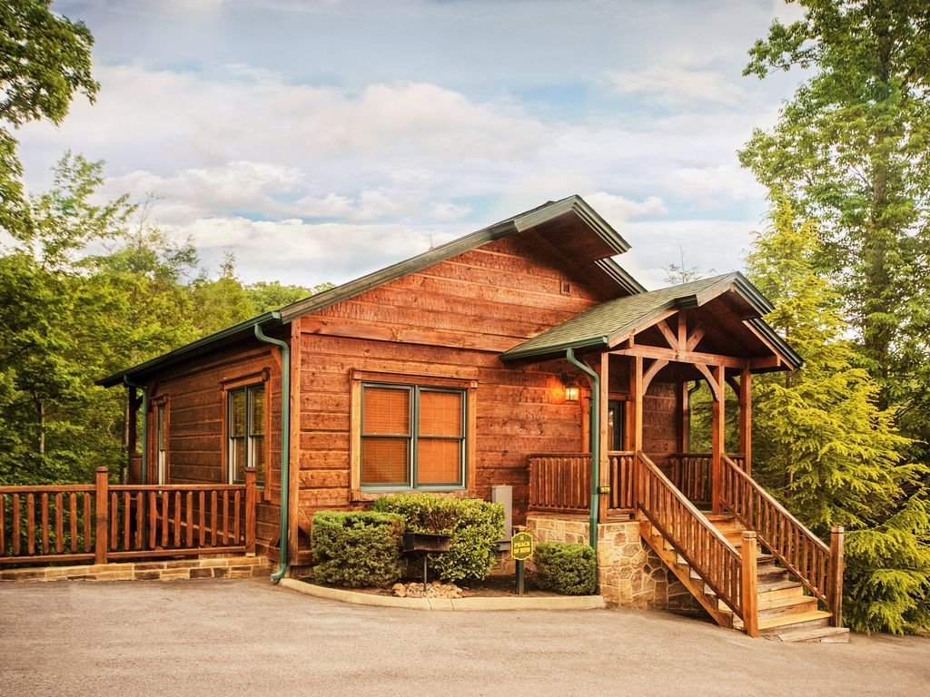 Best Luxury 2 Story 1 Bedroom Cabin In Gatlinburg Falls Resort Gatlinburg Tennessee Rentbyowner With Pictures