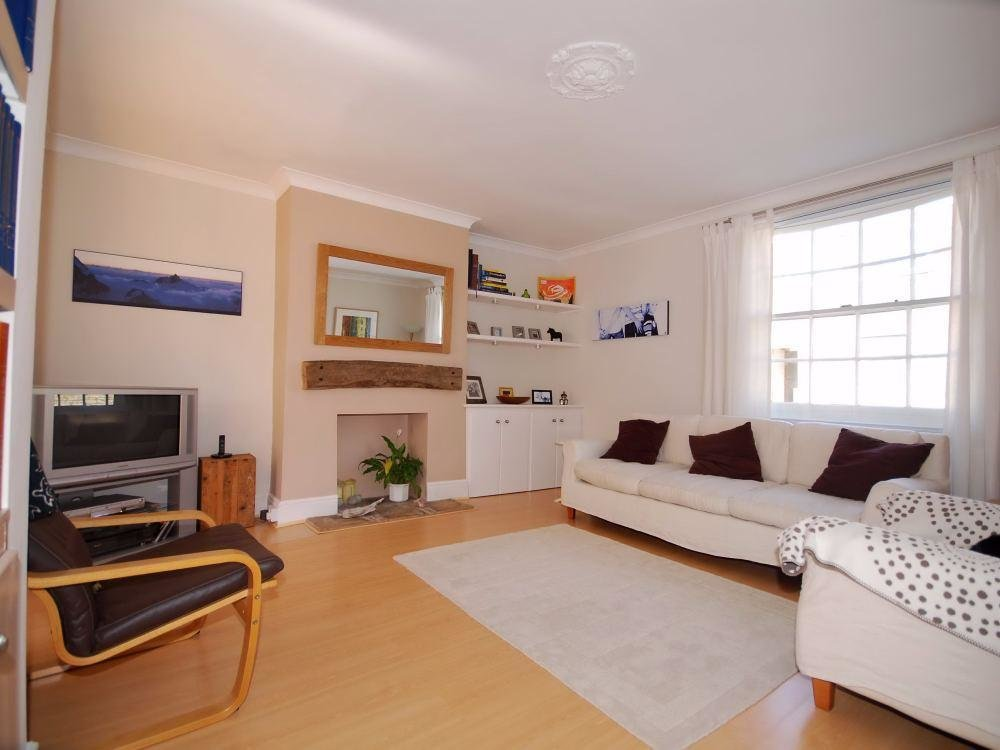 Best 3 Bedroom Detached Town House For Rent In Cheltenham With Pictures