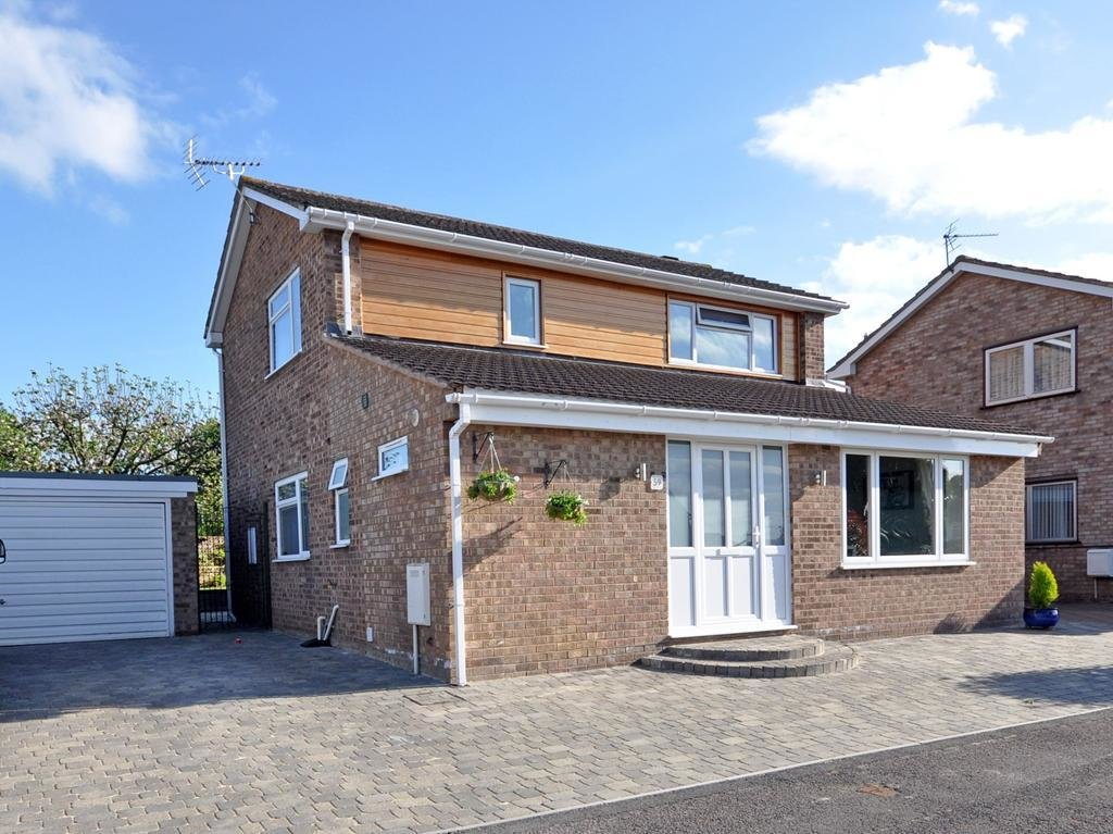 Best 3 Bedroom Detached House For Rent In Cheltenham With Pictures
