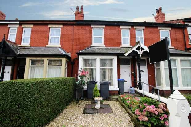 Best 3 Bedroom Terraced House For Sale Leeds Road Blackpool With Pictures