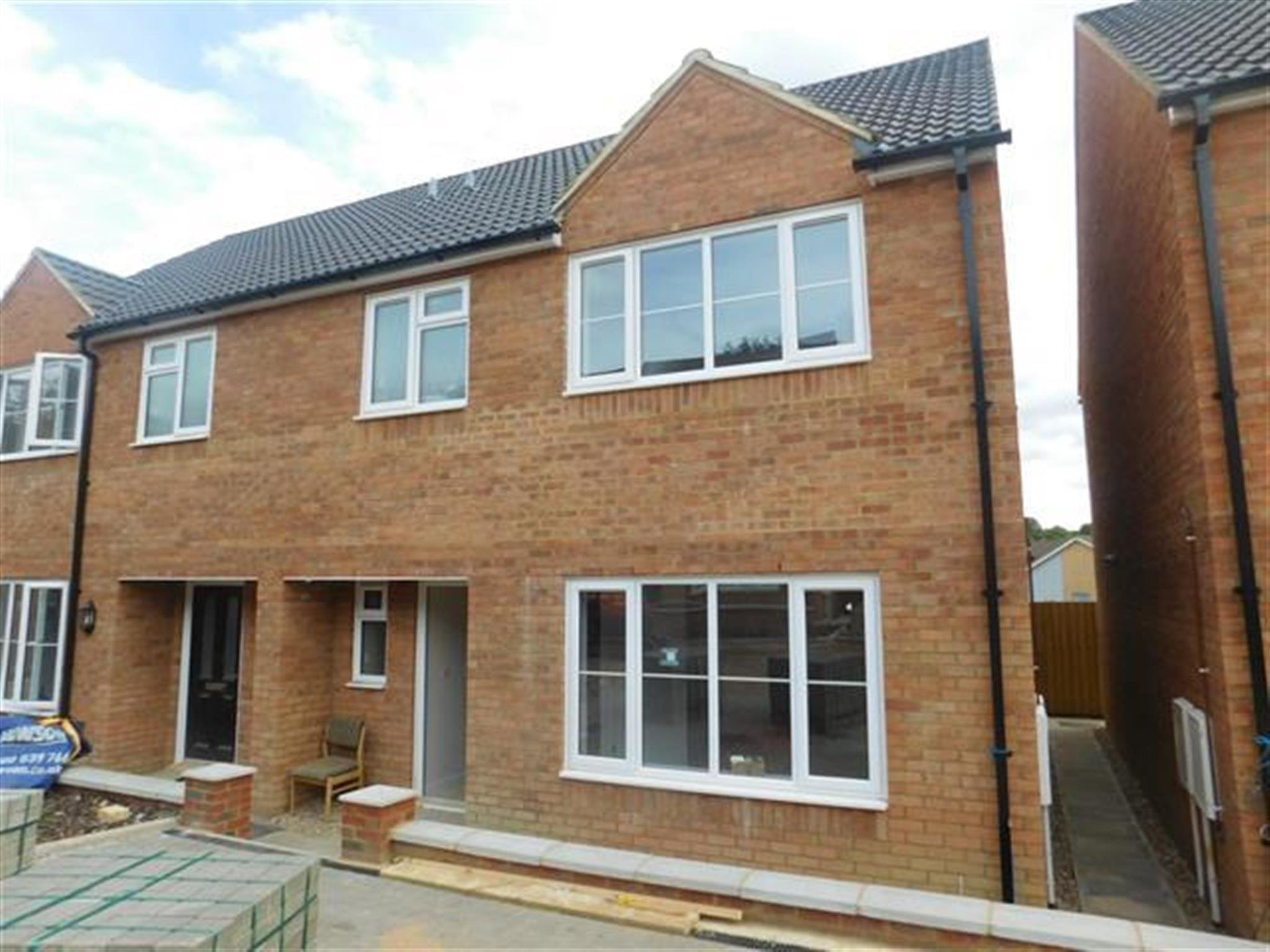 Best 3 Bedroom House To Rent Malham Drive Kettering Nn16 9Fs With Pictures