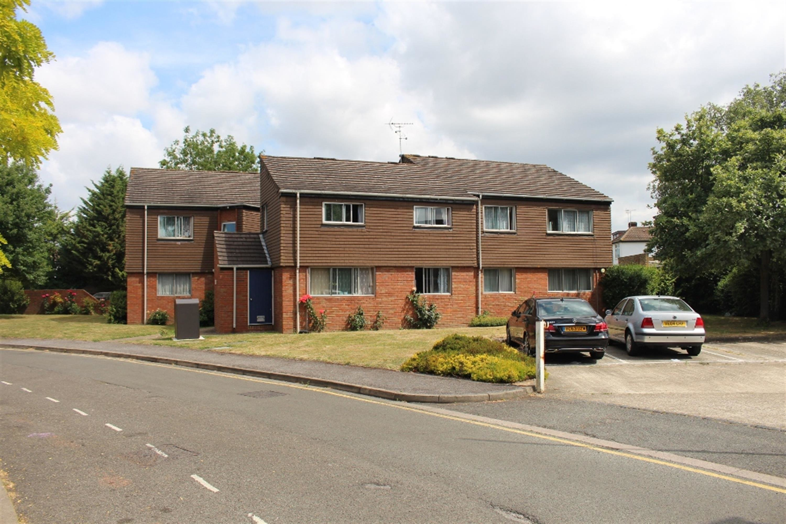 Best 1 Bedroom Flat For Sale Cranston Close Hounslow Tw Tw3 4Nh With Pictures