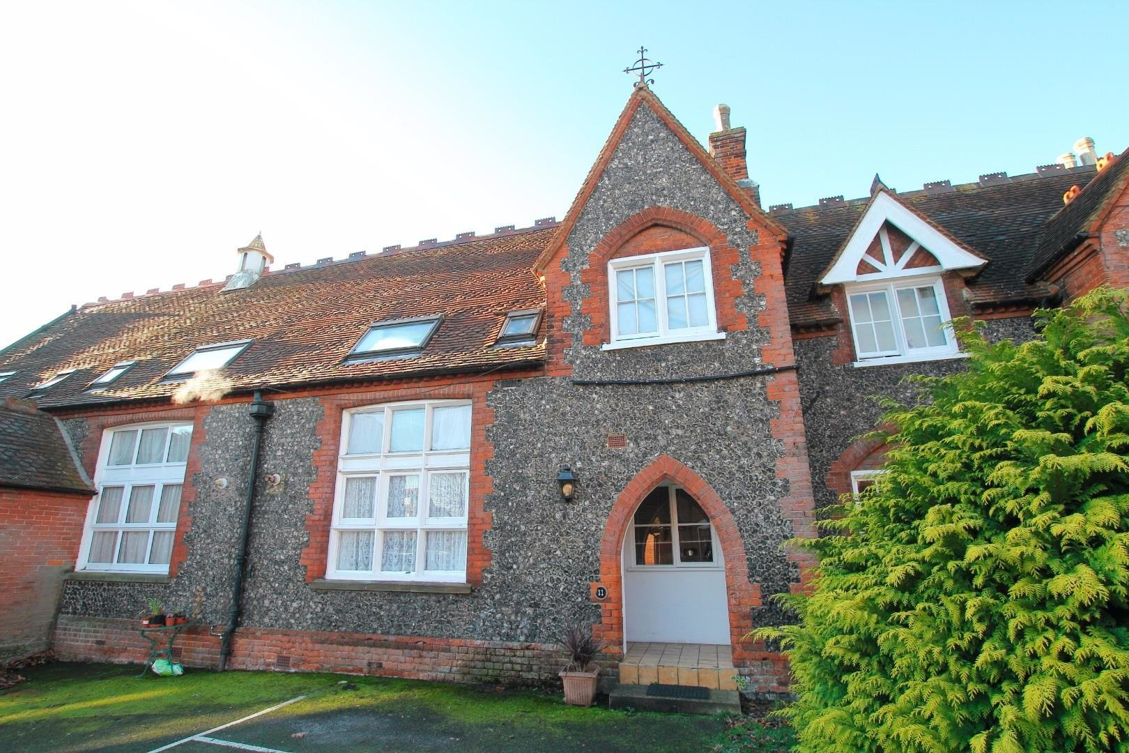Best 2 Bedroom House For Sale London Road Canterbury Ct Ct2 8Lu With Pictures