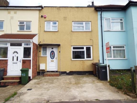 Best 2 Bedroom Terraced House For Sale Pembroke Avenue Luton With Pictures