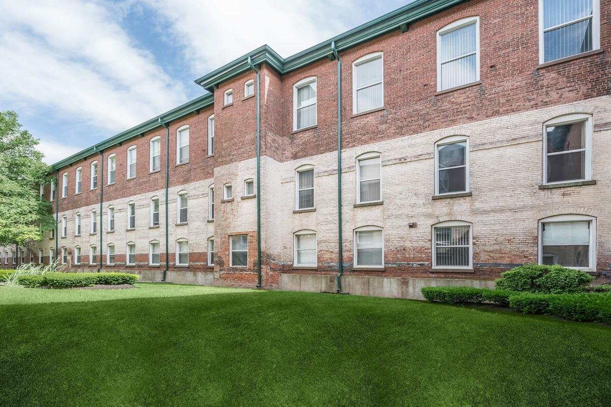 Best Lofts At The Mills At 91 Elm Street Manchester Ct 06040 Hotpads With Pictures