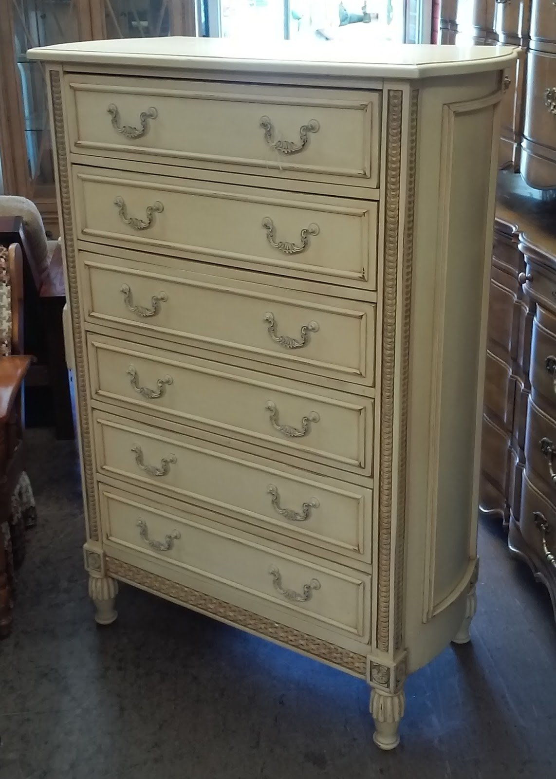 Best Uhuru Furniture Collectibles Sold Reduced Jaclyn With Pictures