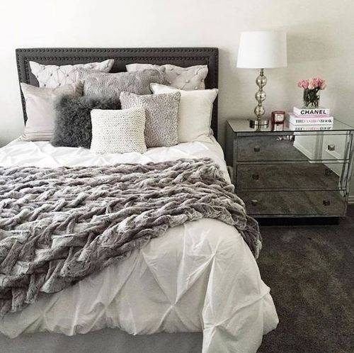 Best 10 Ideas Of Decorative Bed Pillows With Pictures