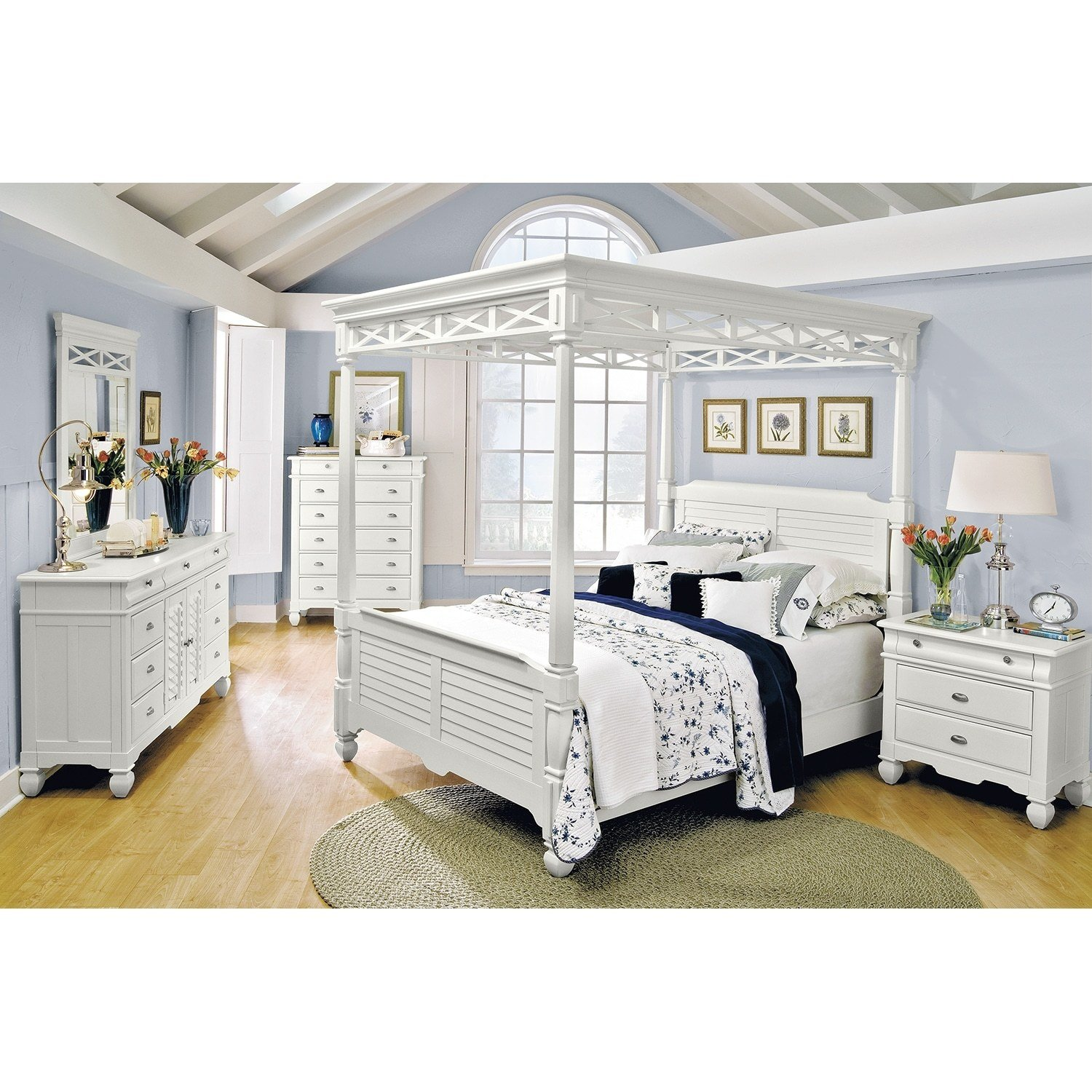 Best Plantation Cove White Canopy Queen Bed Value City Furniture With Pictures