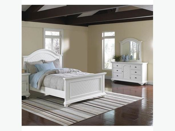 Best The Brick Brook Off 5 Piese White Queen Bedroom Set West With Pictures