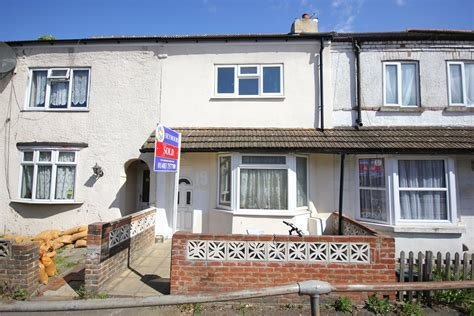 Best 3 Bedroom Terraced House For Sale Walton Terrace Woking With Pictures