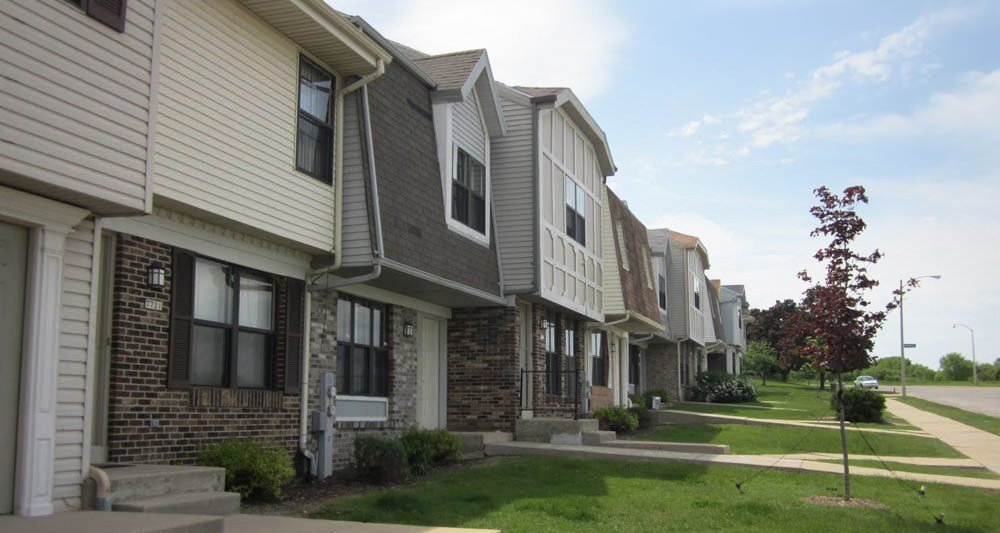 Best Glenbrook Apartments Apartments In Milwaukee Wi With Pictures