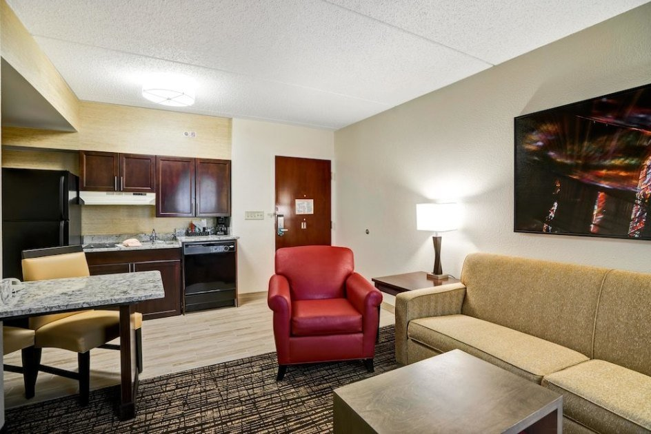 Best 2 Queen Beds 1 Bedroom Suite Nonsmoking At Homewood Suites By Hilton Washington D C Downtown With Pictures