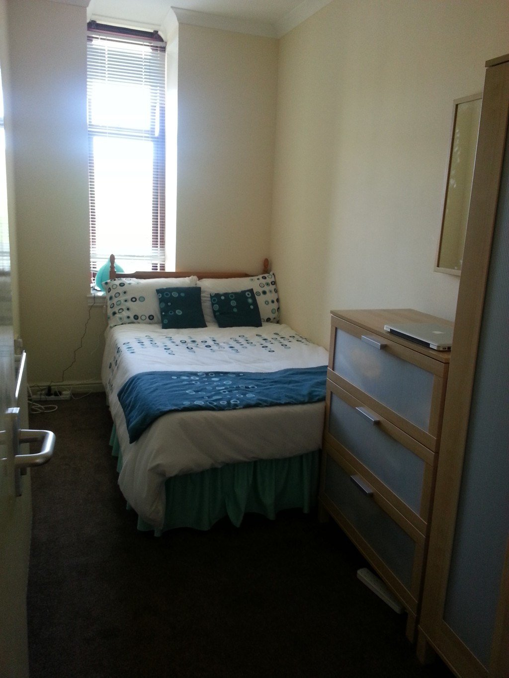 Best Double Bedroom In Large 3 Bedroom Flat Close To Glasgow With Pictures
