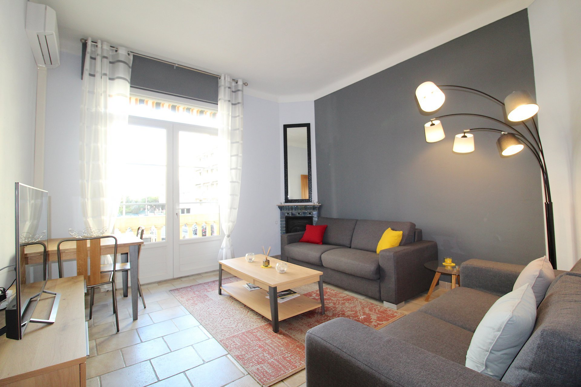 Best Splendid 1 Bedroom Apartment With South Balcony And With Pictures