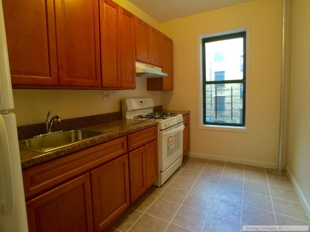 Best Kingsbridge Ave 3E Bronx Ny 10463 1 Bedroom Apartment For Rent Padmapper With Pictures