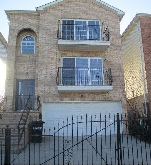 Best 14 Seabury Ct 1 Newark Nj 07104 3 Bedroom Apartment For Rent For 1 750 Month Zumper With Pictures