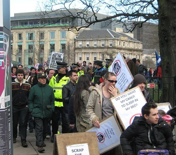 Best Thousands Take To Streets Protesting Ratbag S Bedroom Tax With Pictures