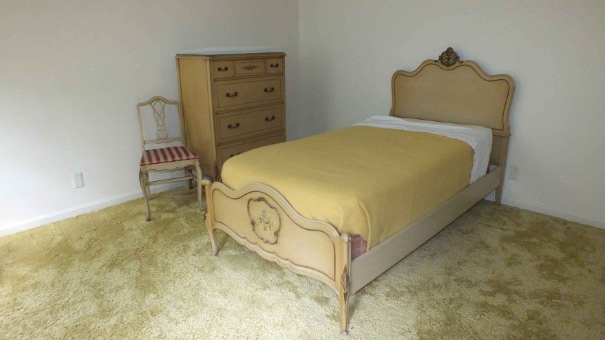 Best Twin Size Bedroom Suite From Luce Furniture Ebth With Pictures