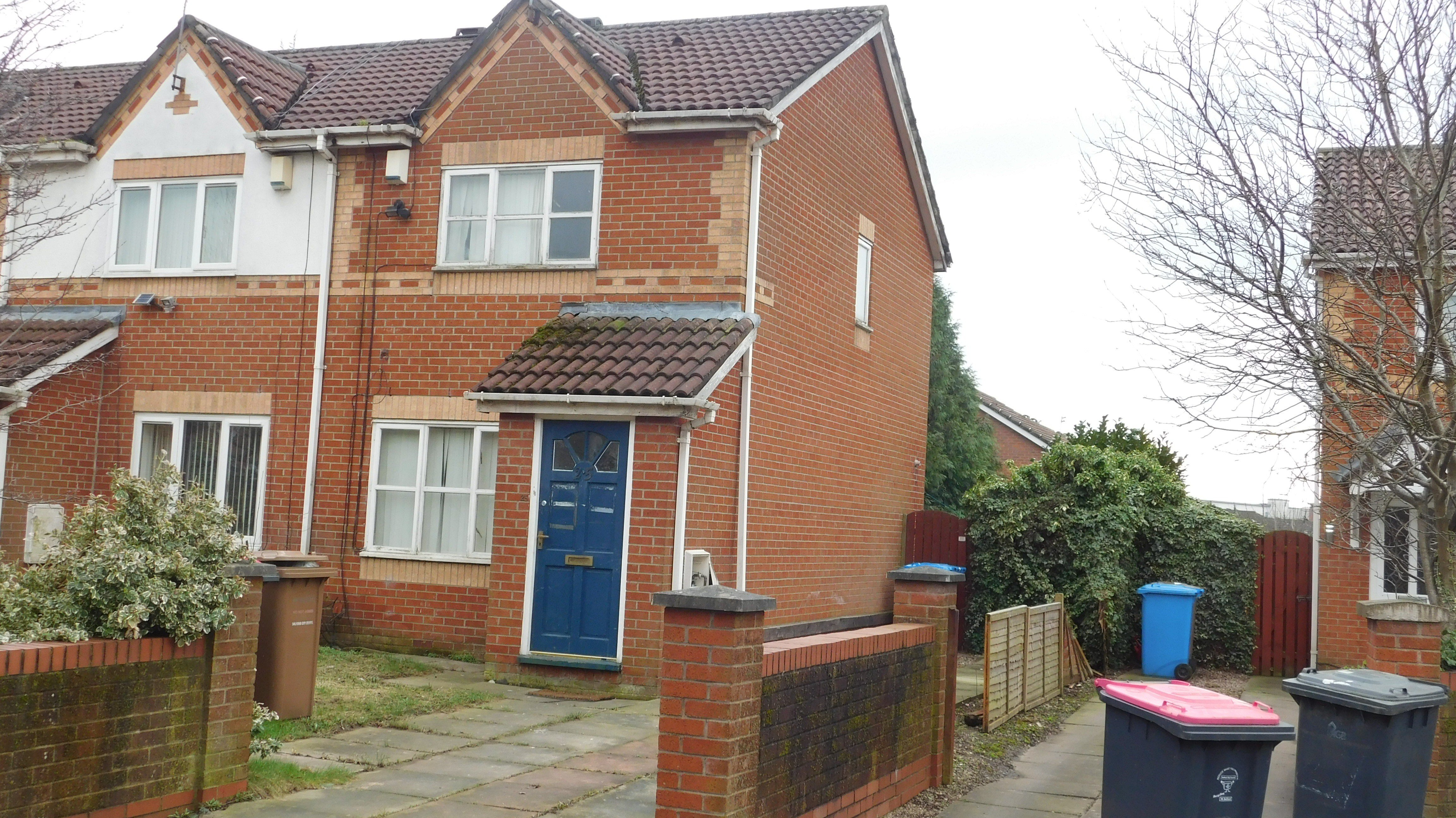 Best Available 2 Bedroom House In Whimberry Salford M6 Hmo With Pictures