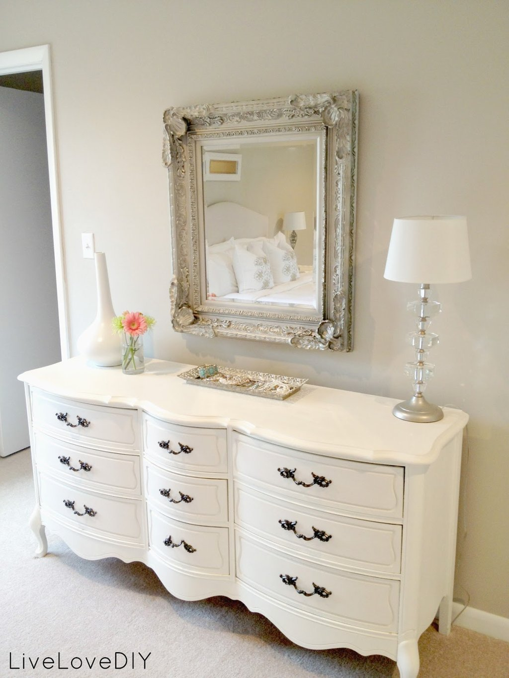 Best Simple Way To Replace Dresser Handles – Loccie Better With Pictures