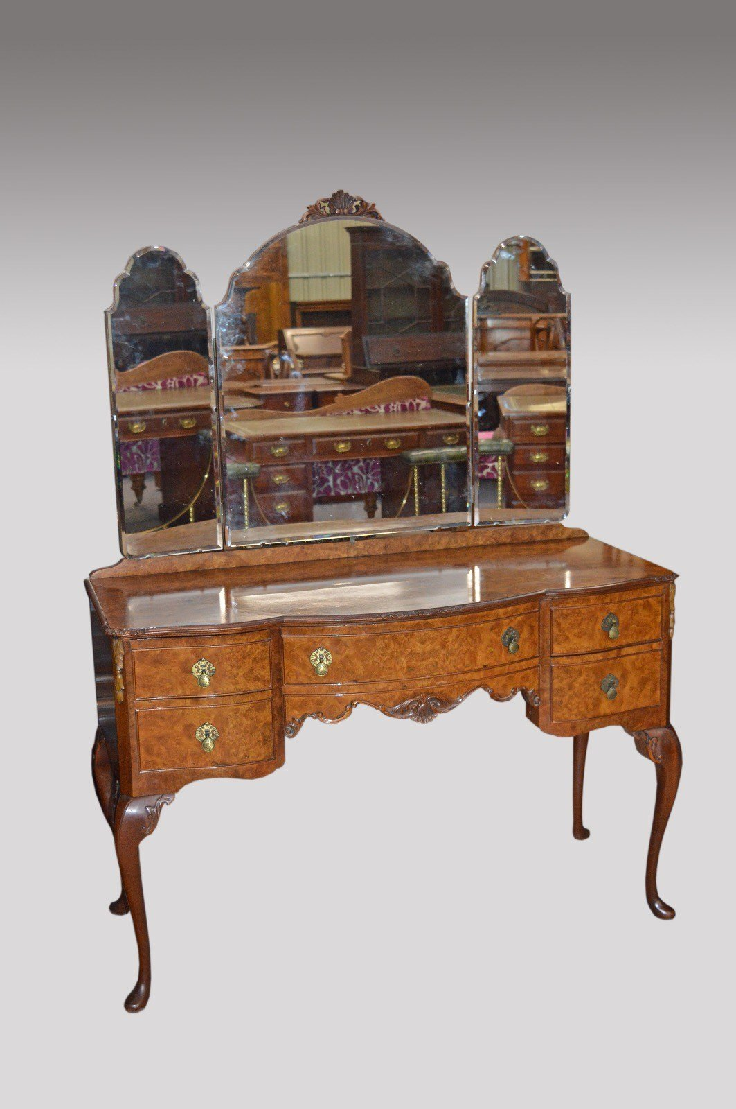 Best Walnut Queen Anne Bedroom Suite Maple Co London C 1930 With Pictures