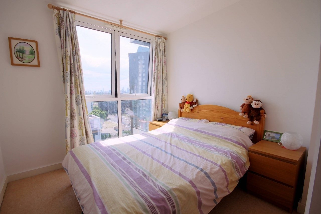 Best 1 Bedroom Flat To Let In Stratford The Online Letting With Pictures Original 1024 x 768