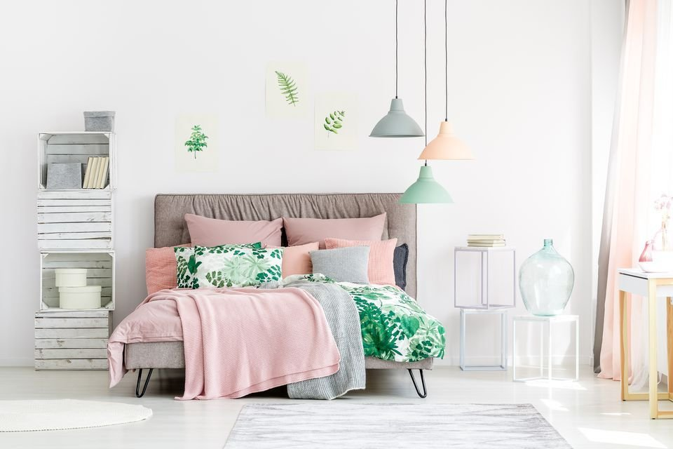 Best How To Decorate A Pink Bedroom With Pictures