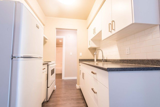 Best 2 Bedroom Apartments For Rent Victoria At Shelbourne Apartments Renterspages Com With Pictures