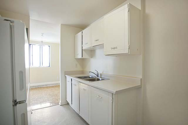 Best 3 Bedroom Apartments For Rent Brampton At Brampton Village With Pictures