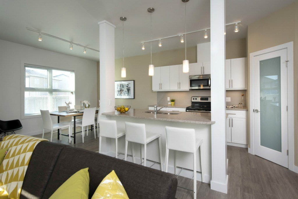 Best 3 Bedroom Apartments For Rent Winnipeg At The Ridge With Pictures