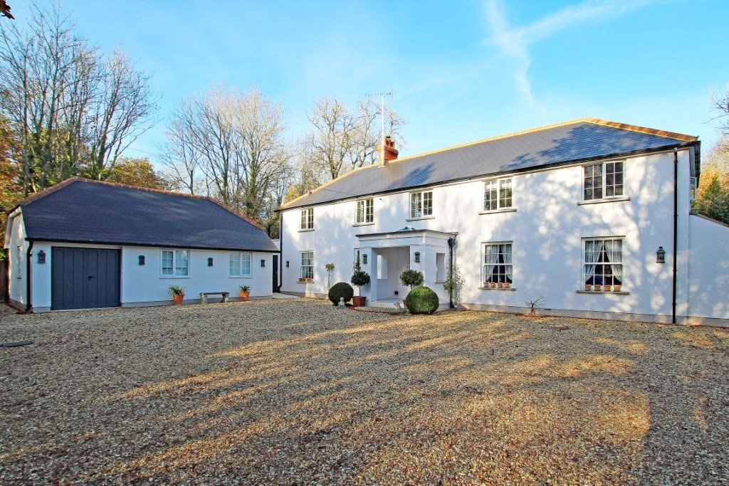 Best Exceptional Five Bedroom House With Annexe In Exclusive With Pictures